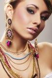 Mulher da forma com jóia Imagens de Stock