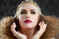 Mulher da forma do Hairdressing e da composição Foto de Stock Royalty Free