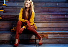 Mulher da forma no outono Imagem de Stock Royalty Free