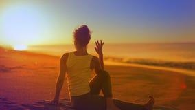 Mulher da ioga video estoque