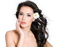 Mulher da sensualidade com pele fresca da face Fotografia de Stock