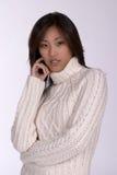 Mulher de Asin na camisola do inverno Imagem de Stock Royalty Free