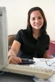 Mulher de carreira no escritório Imagem de Stock Royalty Free