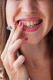 Mulher de fumo Imagem de Stock