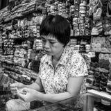 Mulher de funcionamento em preto e branco Fotos de Stock Royalty Free
