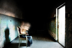 Mulher de Ghost que deixa o corpo fotografia de stock