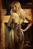 Mulher de Grunge no espartilho ilustração do vetor