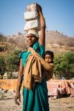 Mulher de Jaipur, Índia fotografia de stock royalty free