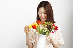 Mulher de jardinagem Fotografia de Stock