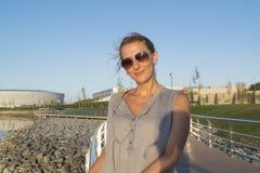 Mulher de meia idade nos óculos de sol Foto de Stock
