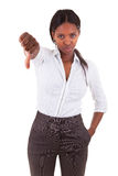 A mulher de negócio afro-americano que faz os polegares gesticula para baixo - Bla Foto de Stock Royalty Free