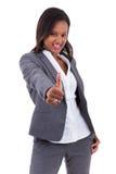 A mulher de negócio afro-americano que faz os polegares levanta o gesto - preto Imagens de Stock