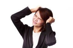 Mulher de negócio asiática frustrada e forçada Imagens de Stock Royalty Free
