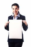 Mulher de negócio atrativa com a folha de papel vazia Fotos de Stock Royalty Free