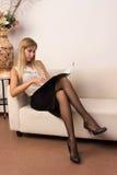 Mulher de negócio atrativa confiável imagens de stock