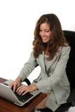 Mulher de negócio atrativa que trabalha no portátil 2 fotografia de stock