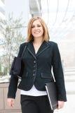 Mulher de negócio bonita no escritório Fotografia de Stock