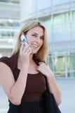 Mulher de negócio bonita no telefone Imagens de Stock