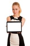Mulher de negócio caucasiano nova bonita com funcionamento do cabelo louro foto de stock royalty free