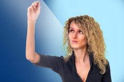 Mulher de negócio com calculadora imagens de stock
