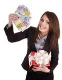 Mulher de negócio com dinheiro, caixa de presente. Imagem de Stock Royalty Free