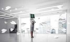 Mulher de negócio com o monitor em vez da cabeça Fotografia de Stock Royalty Free