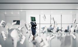 Mulher de negócio com o monitor em vez da cabeça Imagem de Stock Royalty Free