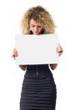 Mulher de negócio com poster em branco Imagem de Stock