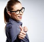 Mulher de negócio com sinal aprovado da mão Imagens de Stock Royalty Free