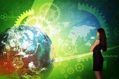 Mulher de negócio na frente da tela holográfica Imagem de Stock