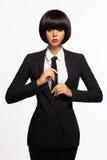 Mulher de negócio no terno e no laço formais imagens de stock royalty free
