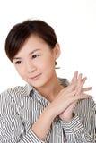 Mulher de negócio nova asiática alegre fotografia de stock royalty free