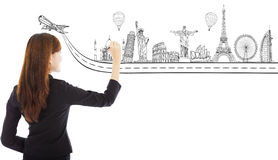 Mulher de negócio nova que tira um marco da viagem do curso Foto de Stock