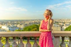 Mulher de negócio de Paris foto de stock royalty free