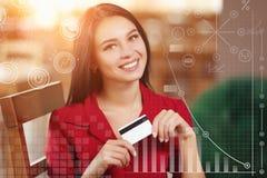 Mulher de negócio que compra em linha Imagens de Stock
