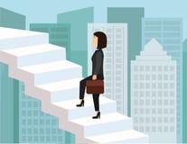 Mulher de negócio que escala as escadas no céu ilustração royalty free