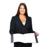 Mulher de negócio que mostra o caderno vazio Fotografia de Stock Royalty Free