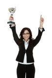 Mulher de negócio que mostra seu troféu imagens de stock royalty free