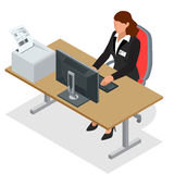 Mulher de negócio que olha a tela do portátil Mulher de negócio no trabalho Mulher que trabalha no computador Ordem de China Foto de Stock