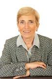 Mulher de negócio sênior amigável foto de stock royalty free
