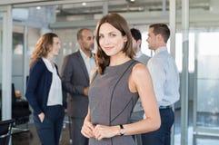 Mulher de negócio satisfeita nova fotos de stock royalty free