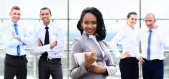 Mulher de negócios afro-americano feliz foto de stock