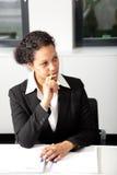 Mulher de negócios afro-americano séria fotografia de stock
