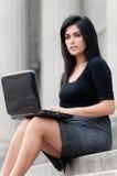 Mulher de negócios ao ar livre imagem de stock royalty free