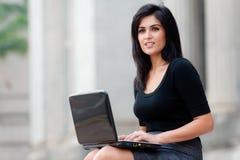 Mulher de negócios ao ar livre fotos de stock