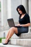 Mulher de negócios ao ar livre fotografia de stock royalty free
