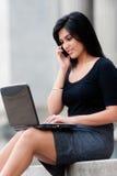Mulher de negócios ao ar livre foto de stock