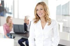 Mulher de negócios atrativa Fotografia de Stock Royalty Free