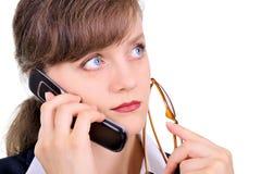 Mulher de negócios atrativa com telemóvel Imagens de Stock Royalty Free