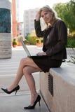 Mulher de negócios atrativa do caucasian dos anos quarenta Imagens de Stock Royalty Free